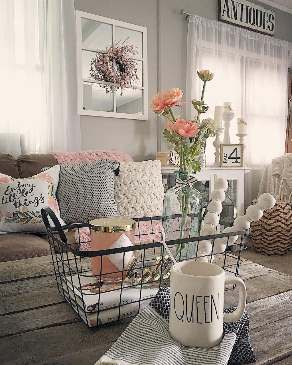 Check out these shabby chic designs and style ideas. Click on image to see many & 25 Beautiful Shabby Chic Interior Designs And Ideas - Page 22 of 25 ...